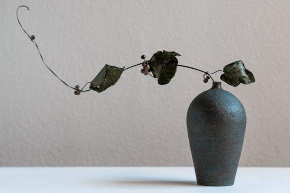 【ご紹介】瀬川辰馬さんの硫化銀彩花器